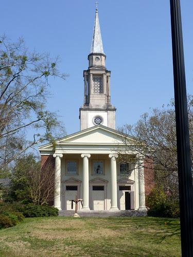 P1010434-2010-04-02-Druid-Hills-Methodist-Atlanta-South-Facade-Crook