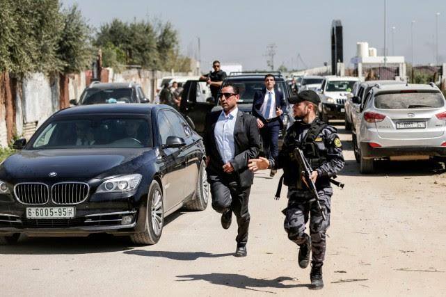 Le convoi du premier ministre de l'Autorité palestinienne... (AFP)