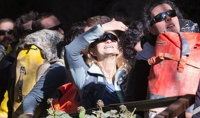 15 добровольцев провели под землей 40 дней без гаджетов и солнечного света