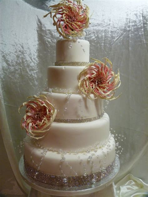 Wedding cakes with bling and flowers   idea in 2017