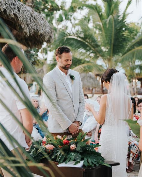 How to Compose Personal and Beautiful Unique Wedding Vows