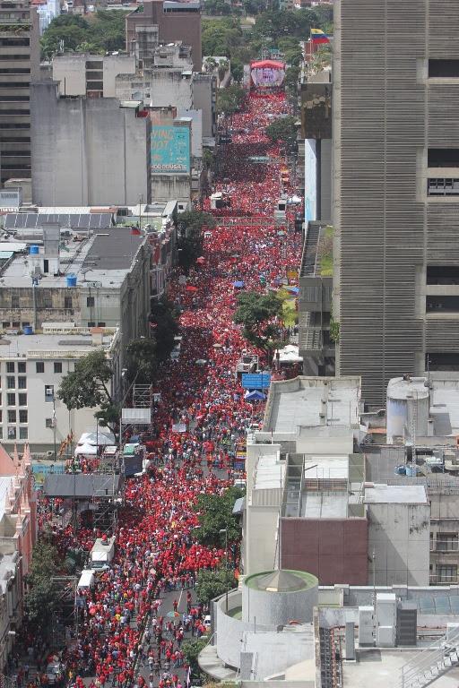 Venezolanos se concentraron en los alrededores de Miraflores para apoyar al presidente Hugo Chávez. FOTO: Alberto Corro