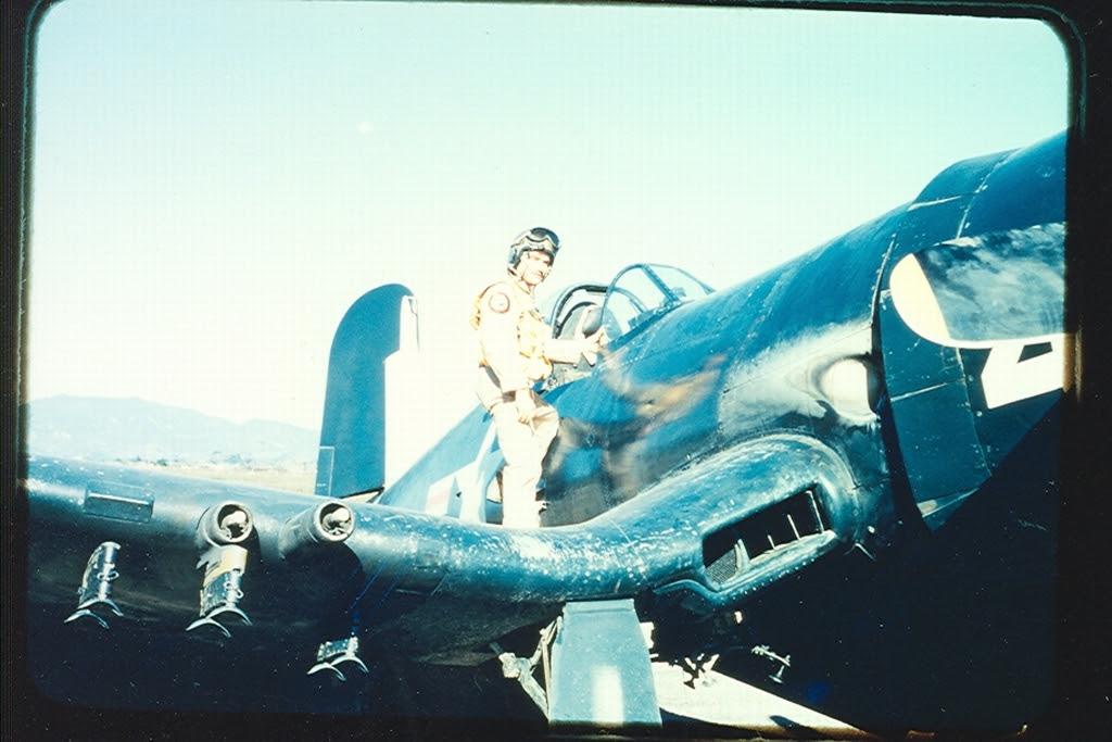 F4U-4BCorsairaircraftofHEDRON-12isonthegroundatK-1Korea