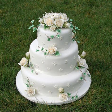 Skye rainbowsugarcraft.co.uk   Weddings   Wedding cake