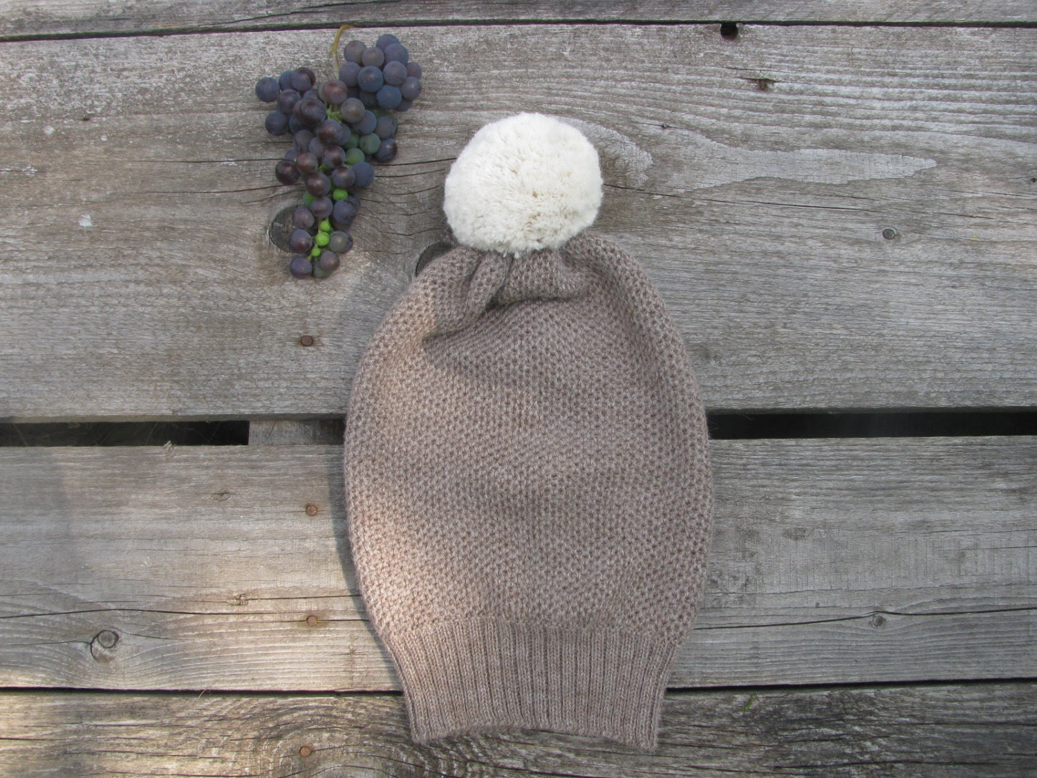 Alpaca wool brown hat with white pom pom - Ingugu