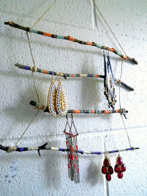 #DIY Twig jewelry display rack : DIY Wood Crafts Recycle
