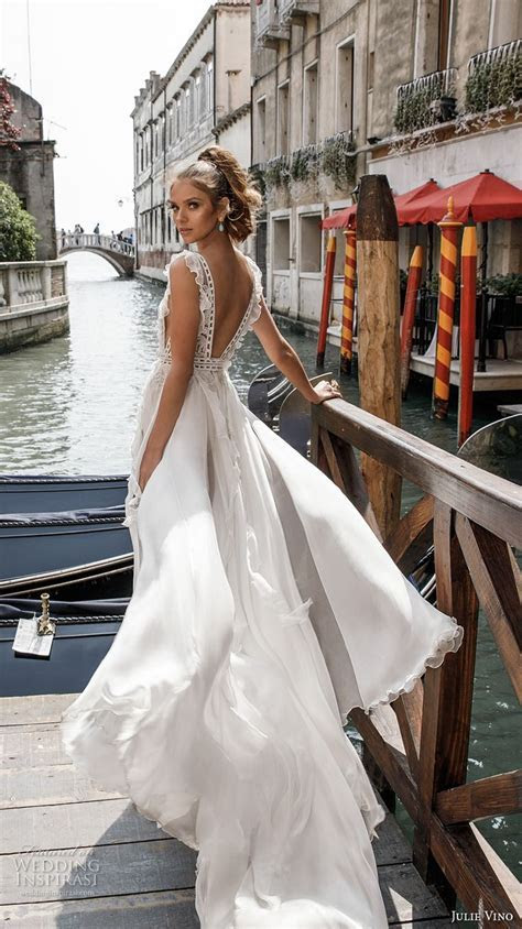 25  Best Ideas about Wedding Skirt on Pinterest   Sleeved