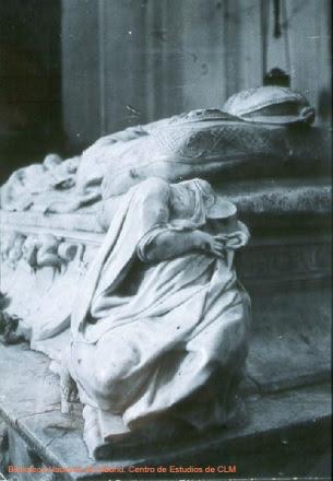 Daños en el sepulcro del Cardenal Tavera durante la Guerra Civil