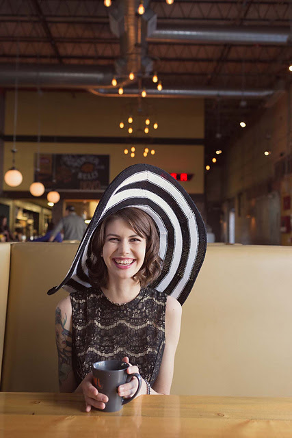 Regina Hat par Julie Grantz LeFrancois