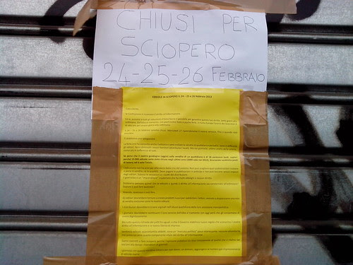 Edicole in sciopero di 3 giorni by Ylbert Durishti