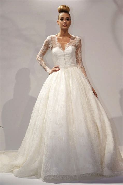 Adding sleeves to a strapless dress? Advice and show me