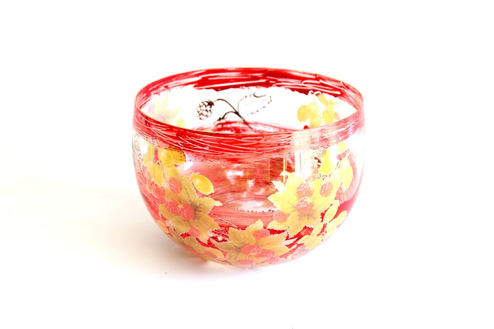 painted glass bowl, hand painted and decorated with vintage raspberry motive, ø 20 cm or 9 inch - SunnyzShop