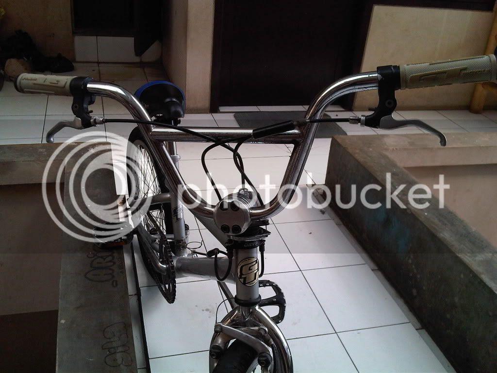 Jual Tiket Kereta Api Lebaran - Cewe Bayaran Sepeda GT BMX