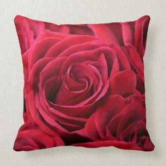 Red Roses Bouquet Throw Pillows