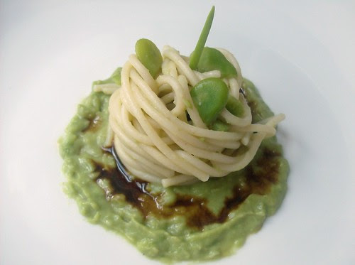 Spaghetti alla crema di fave e note di vinocotto