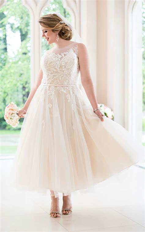 17 Best ideas about Tulle Wedding Dresses on Pinterest