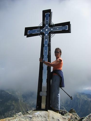La croce in vetta al Monte Cresto