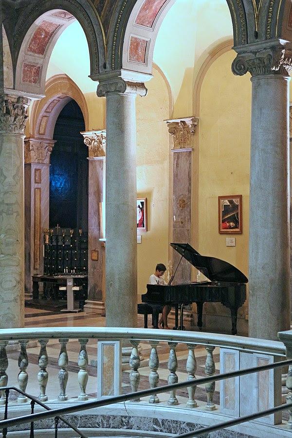 File:San Nicola in Carcere.jpg