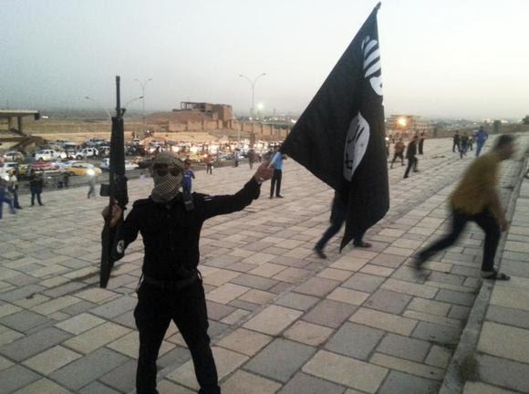 ISIS nxit ndjekësit të sulmojnë qytetarët e SHBA-së dhe Francës; përqesh Obamën