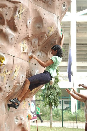 17th_South_Zone_Sports_Climbing_Competition_Junior_Girls_In_Action2