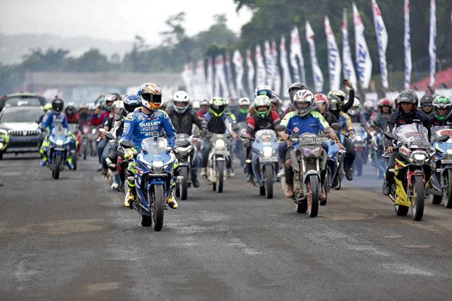 Andre Iannone dan Alex Rins pembalap MotoGP Suzuki Ecstar mengakui bahwa semenjak berumur  Menurut Mereka Umur 3 Tahun Waktunya Balapan Bukan Sepedaan