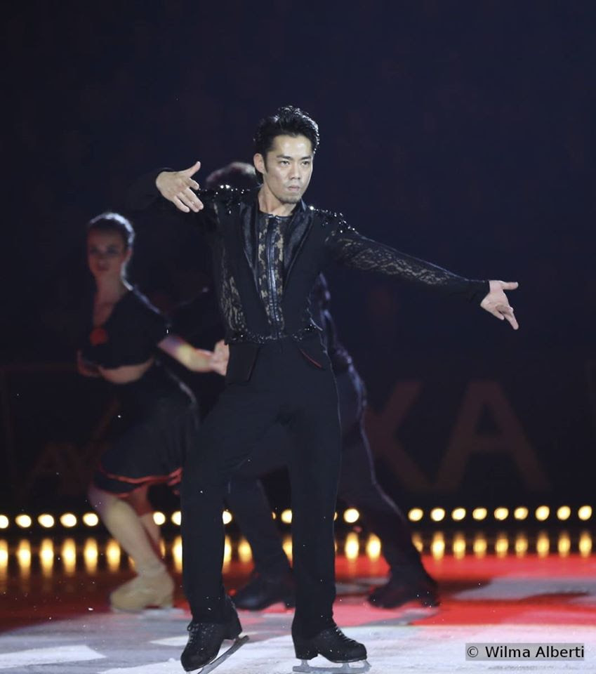 "Daisuke Takahashi skating to Art on Ice band playing ""Primavera Porteña"""