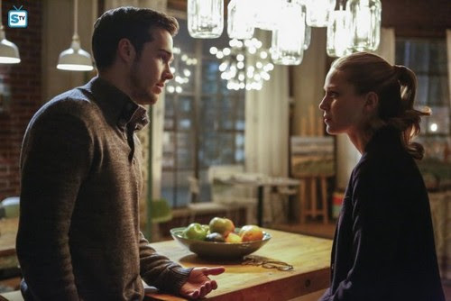 ... Series) club tagged: photo cw supergirl season 2 2.10 we can be heroes