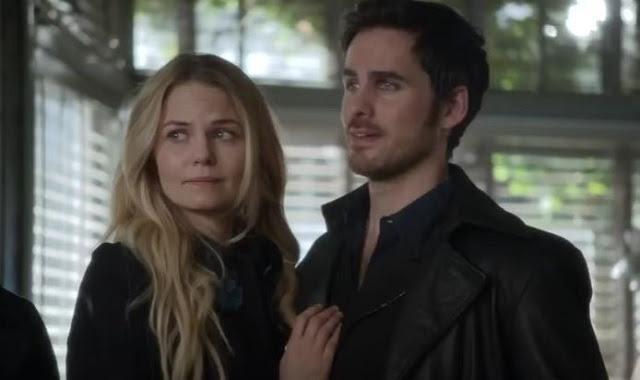'Once Upon A Time' Showrunner Teases Emma-Hook Wedding ...
