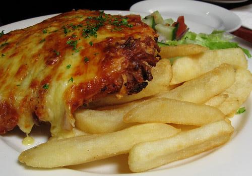 The Palmerston Hotel: Chicken parma