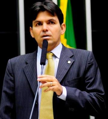 Deputado federal Victor Mendes