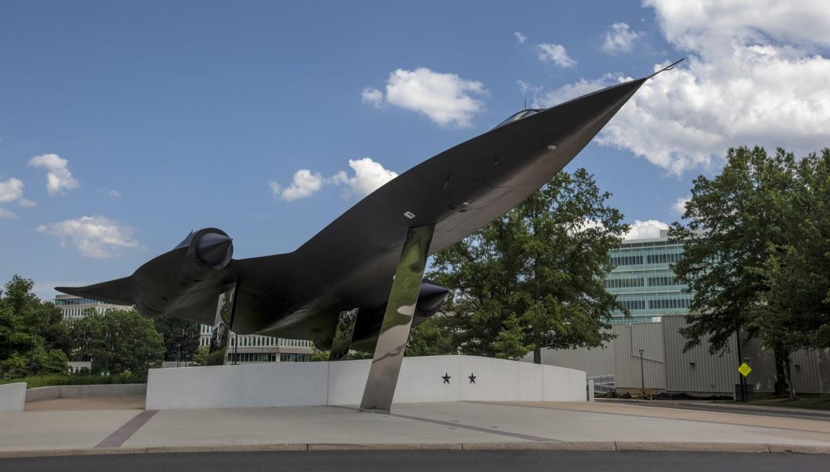shineyourlight: CIA의 역사적 비밀 전시물: The Artifacts of