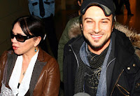 Tarkan and Sezen Aksu at Ataturk Airport having arrived from New York, March 2007