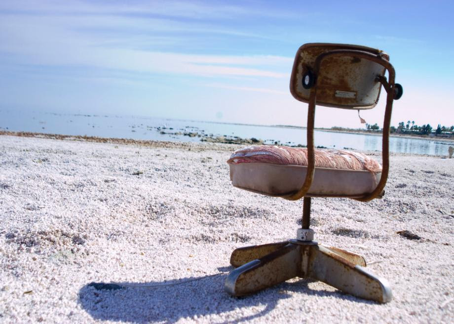 The Salton Sea In California Turned From A Relaxing Resort To An