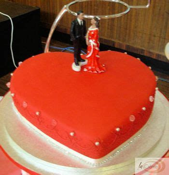 Wedding Cakes: Red Heart Shaped Wedding Cake