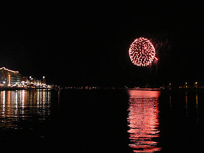 fireworks on lake michigan.jpg