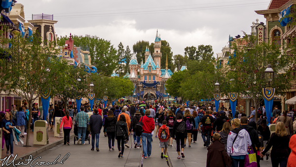 Disneyland Resort, Disneyland, Main Street U.S.A., Disneyland60, 60, Diamond, Celebration, Decor, Decoration, Bunting, Sleeping, Beauty, Castle, Dazzle