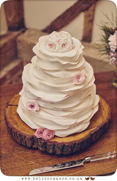 Beautiful wedding cake Suffolk - www.helloromance.co.uk