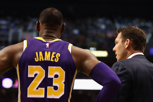 96f9f807e87 Luke Walton says LeBron James is  one of the best closers our game has ever  seen