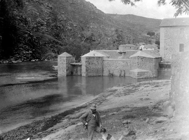Molinos del Tajo en junio de 1905. Fotógrafo anónimo. Colección Luis Alba. Ayuntamiento de Toledo