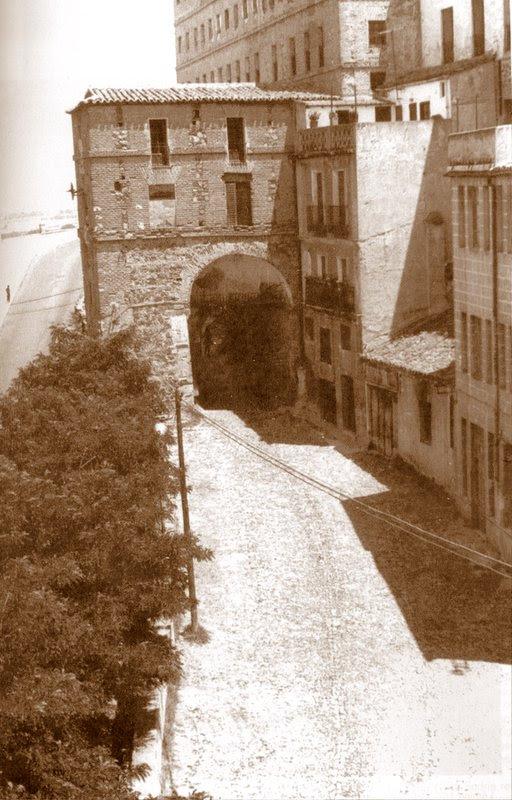 Puerta de Alarcones a comienzos del siglo XX.
