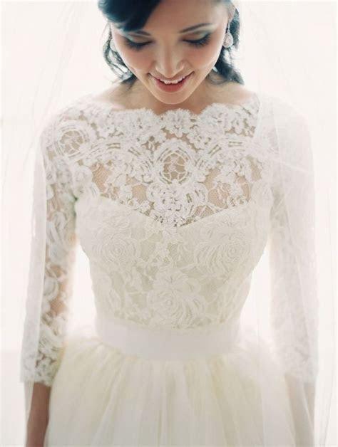 10 Overlays for Your Wedding Dress   mywedding