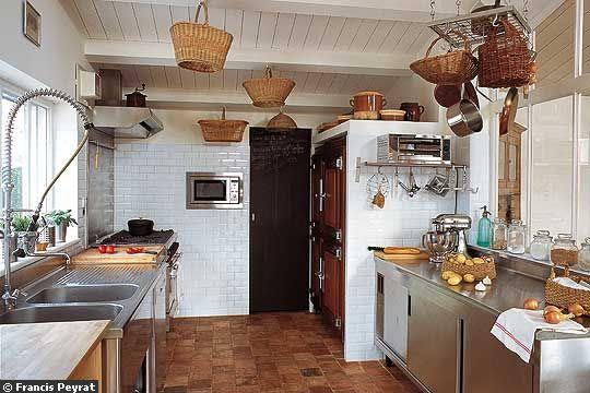 Metro Tile to a spacious kitchen