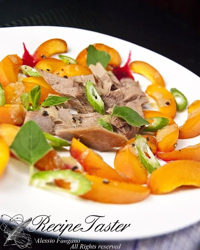 Apricots Red-tuna salad in benzaldehyde vinaigrette