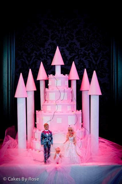 Kyle and JackieO?s Big Fat Gypsy Wedding.   Cakes by Rose