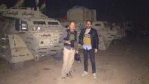 Die BILD-Reporter Class Weinmann und Paul Ronzheimer (r.)