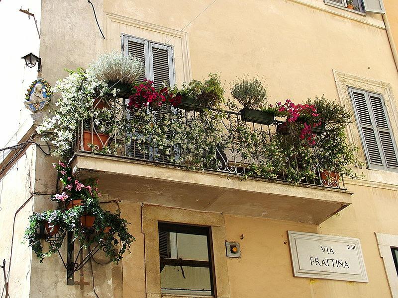 File:Balcony in Rome.jpg