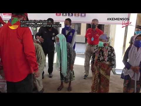 Dirjen Rehsos Luncurkan Bansos Sembako dari Karawang ke Purwakarta