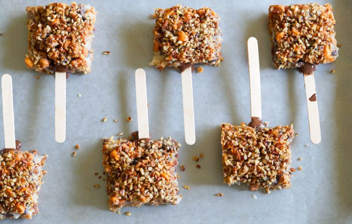 Chocolate-Dipped 7-Layer Cookies on a Stick