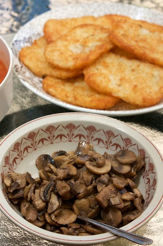 breakfast foods: hashbrowns and mushrooms