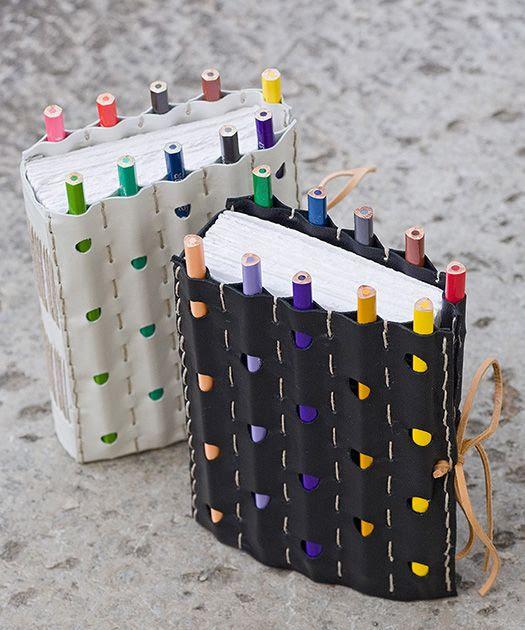 Caderno + lápis na capa = genial! Super presente para crianças e geminianos (que são loucos por coisas de papelaria ;) )